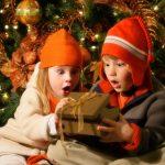 子供も大喜び!クリスマスプレゼントのサプライズ演出方法6選!
